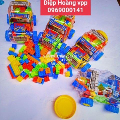Bộ đồ chơi xếp hình với hộp hình chiếc ôtô