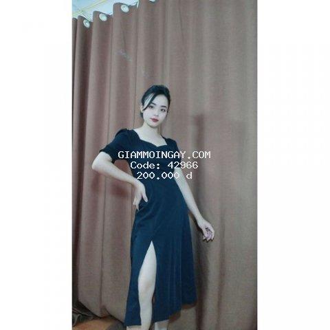 Đầm hàn quốc xẻ tà màu đen chất lụa cộc tay dáng dài