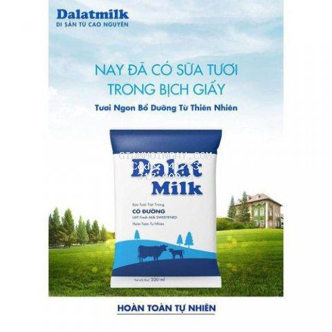 Sửa tươi tiệt trùng dalatmilk bịch giấy 220ml ( 1 thùng gồm 48 bịch)