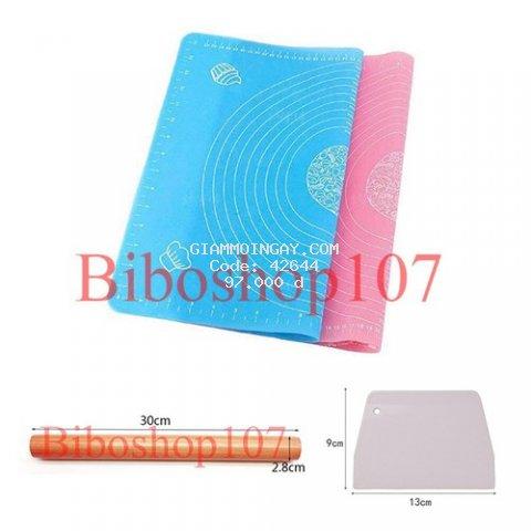 Tấm lót nhào bột silicon 50x40cm kèm cán lăn bột gỗ 30cm và miếng cắt bột nhựa